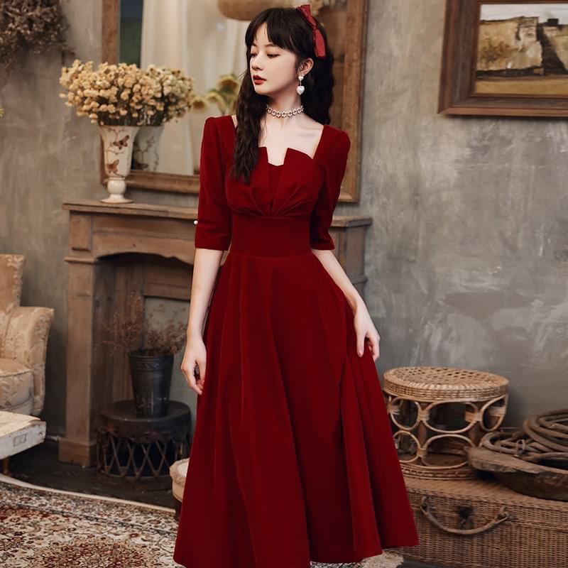 Váy nhung tay lỡ xẻ ngực - NA/T2/PA/K4