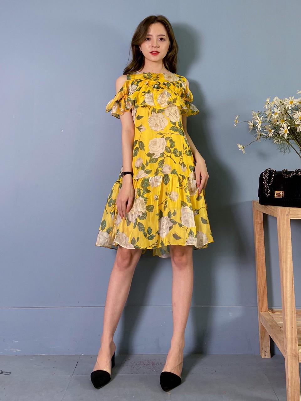 Váy Tơ Hoa Vàng tủ 1